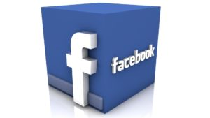 fejsbuk1 2 300x169 - История появления и развития социальных сетей