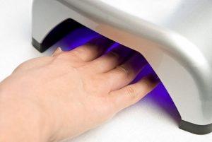 14323519.thlbtvqfaa.W6651 min 300x201 - Как сделать маникюр или починить сломавшийся ноготь гель-лаком