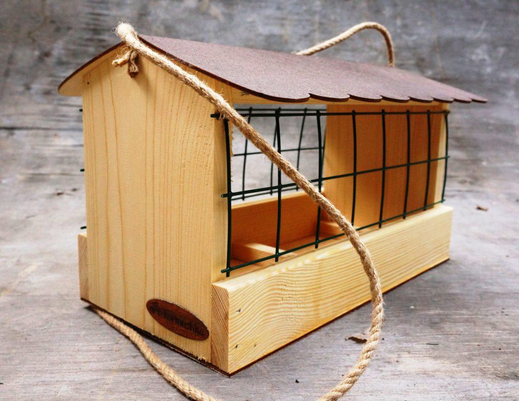 komfort 1024x792 - Как сделать кормушку для птиц из разных материалов
