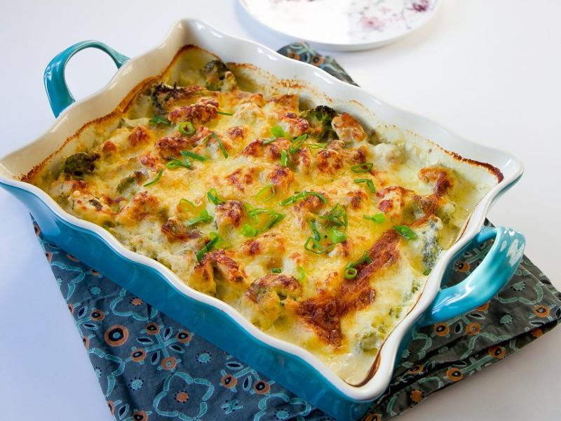 Kartofelnaya zapekanka s kuritsej i brokkoli. - Как вкусно приготовить капусту брокколи?