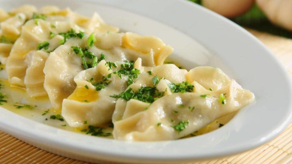 Vareniki 1 1024x575 - Как приготовить вкусные вареники