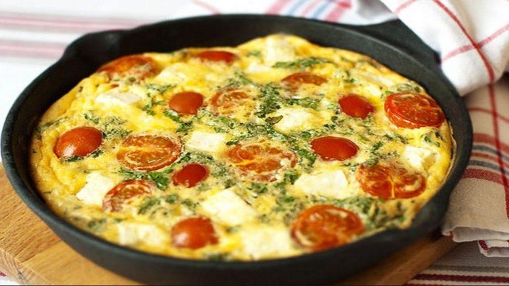 maxresdefault 1 1 1024x576 - Как приготовить вкусный омлет на сковороде и в духовке