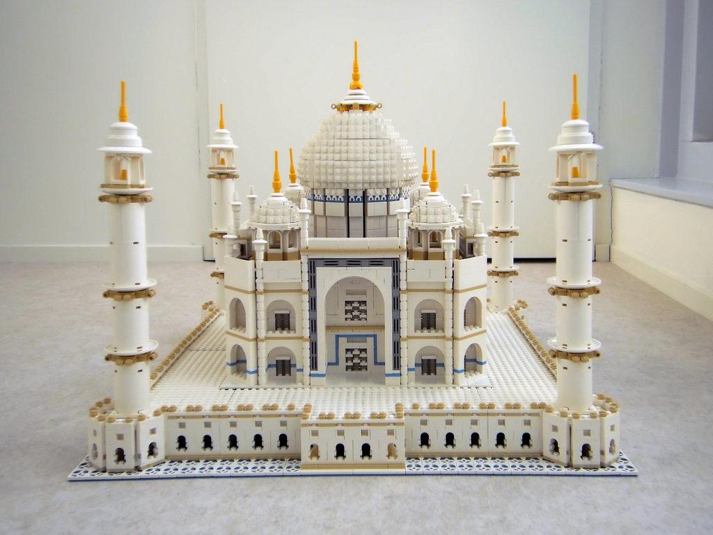 150945426914361463 1024x768 - История появления конструктора «Лего»