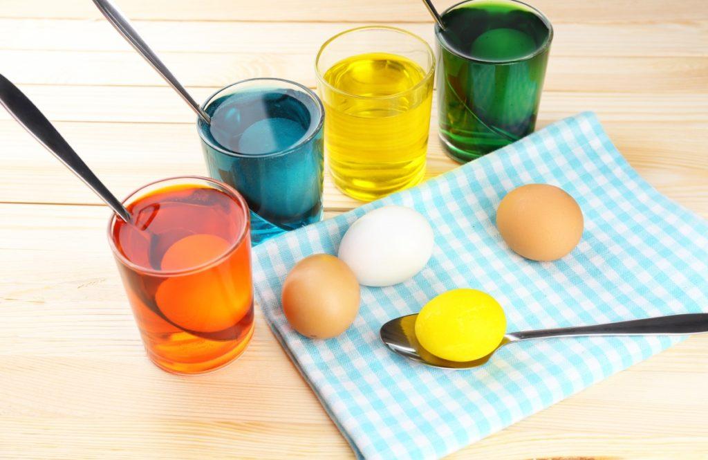 734dc7 1024x665 - Почему на пасху красят яйца и как это сделать оригинально