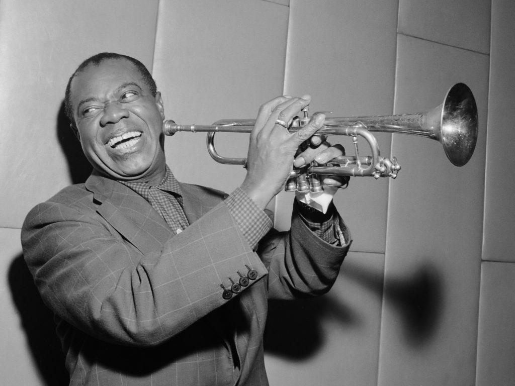 Louis Armstrong 1024x768 - История появления джаза