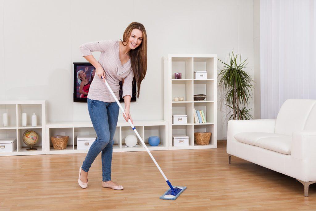 laminat2 1024x683 - Советы домохозяйкам по уборке дома