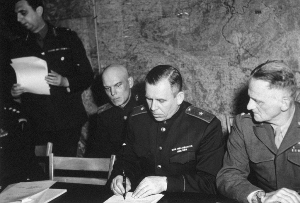 1200637499 1024x694 - Капитуляция Германии во Второй мировой войне: когда, где, сколько раз?