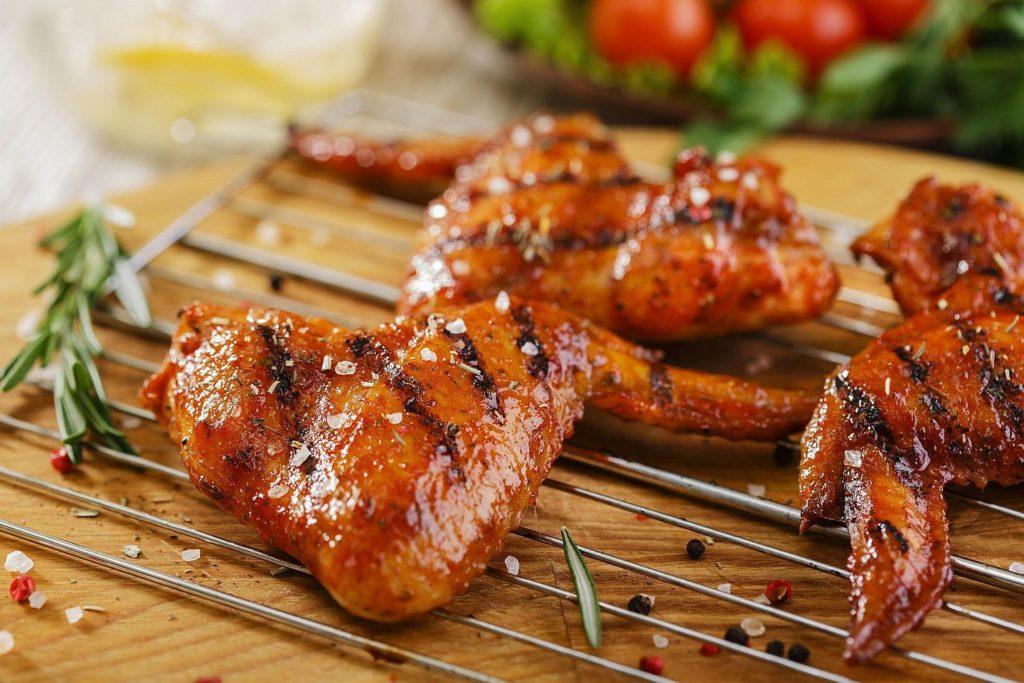 kurinye krylyshki na mangale 1024x683 - Как вкусно приготовить крылышки
