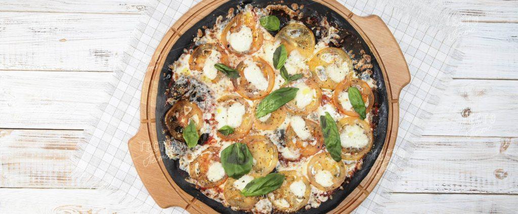 pitstsa margarita chernaya 1024x423 - Как сделать пиццу в домашних условиях