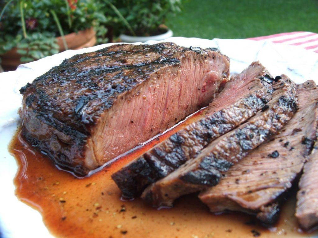 steak 1024x768 - Как приготовить стейки или отбивную дома