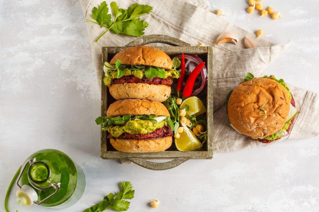 Как приготовить бургер: 5 отличных рецептов