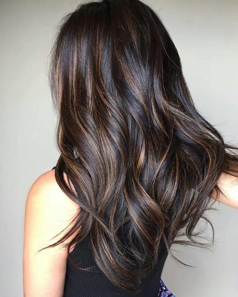 Okrashivanie balayazh na temnye volosy foto 33 820x1024 - Как покрасить волосы в домашних условиях