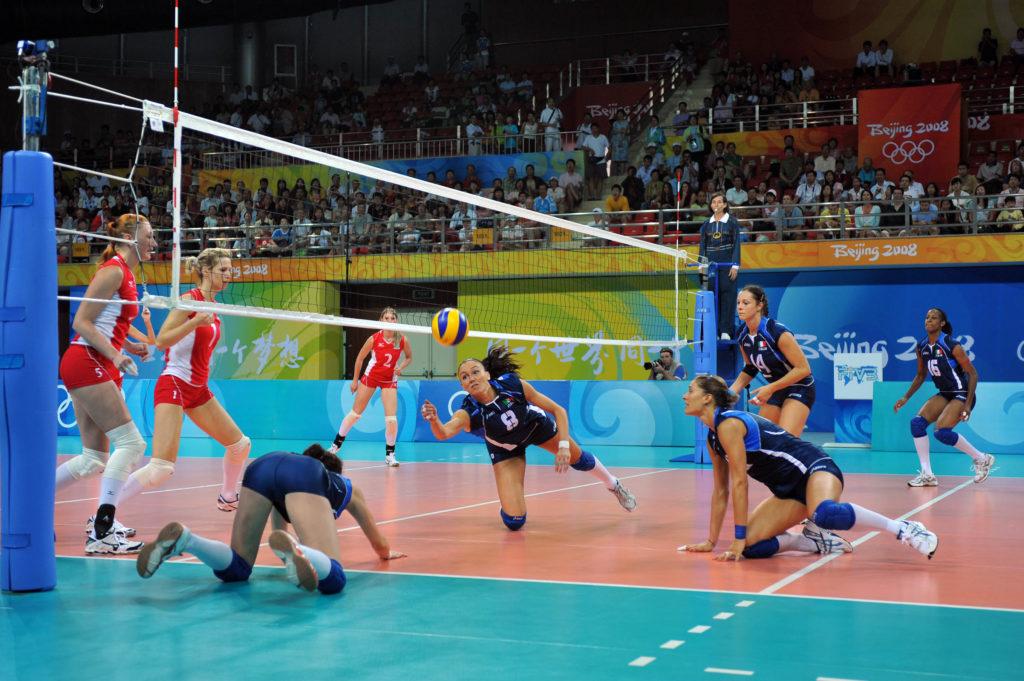 Shema igry 6 2 s dvumya svyazuyushhimi 1024x681 - История волейбола
