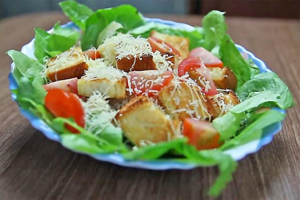 salat cezar klassicheskii s kuricei 1489990053 16 max 1024x683 - Что приготовить на романтический ужин